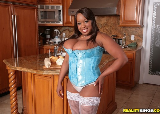 Symone - I Knead You - Big Naturals - Ebony Hot Gallery