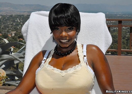 Stacey - Mountains Of Fun - Big Naturals - Ebony Nude Pics