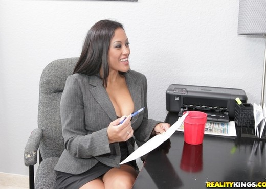 Maxine - Play For Work - Big Tits Boss - Boobs Sexy Gallery