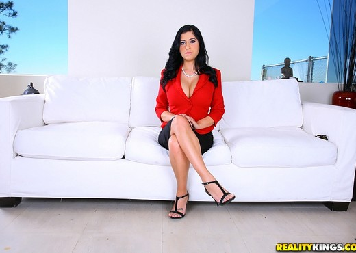 Jada - Flossing And Bossing - Big Tits Boss - Boobs Image Gallery