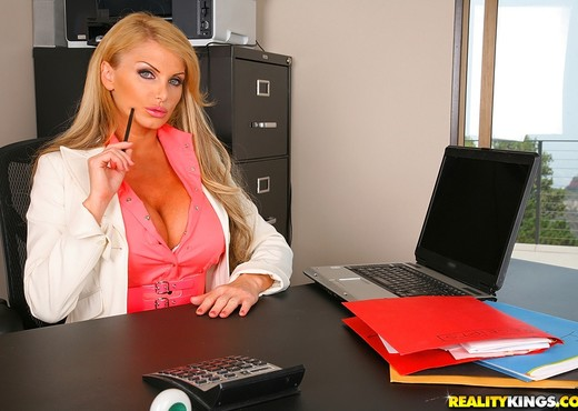 Taylor Wane - Busty And Bossy - Big Tits Boss - Boobs Hot Gallery
