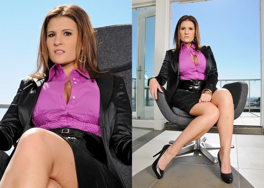 Austin Kincaid - Executive Cleavage - Big Tits Boss - Boobs TGP