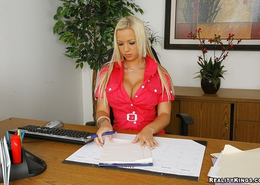 Robyn Truelove - Mrs Titty - Big Tits Boss - Boobs Hot Gallery