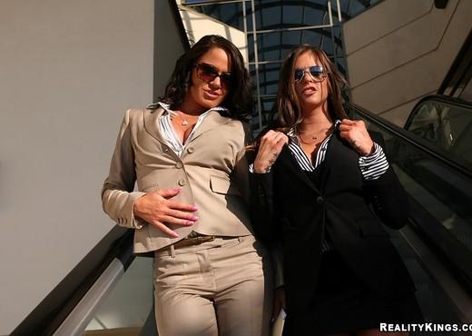 Savannah & Rachel - Corporate Fluffer - Big Tits Boss - Boobs TGP