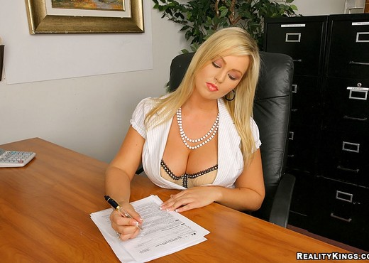 Abbey Brooks - Pink Slit - Big Tits Boss - Boobs Nude Gallery