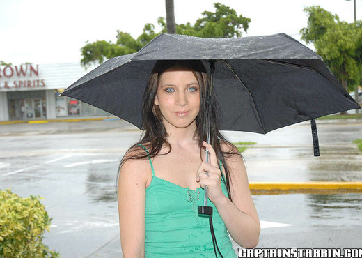 Mellissa - Fucking In The Rain - Captain Stabbin - Anal Image Gallery