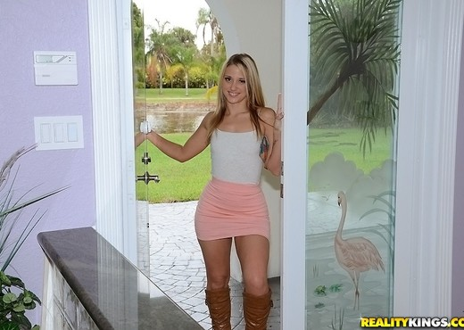 Shelby Paige - Slide In - Cum Fiesta - Hardcore Nude Gallery