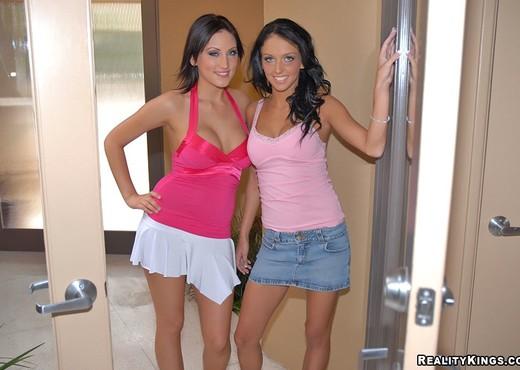 Mindy Main & Stephanie Cane - Hotties With Bodies - Hardcore TGP