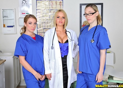 Krissy Lynn, Lily Labeau & Amy Brooke - Mix And Snatch - Hardcore Sexy Gallery