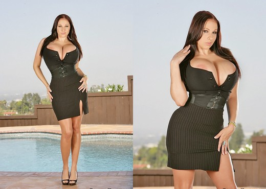 Gianna Michaels - Tits A Wonderful Life - Extreme Naturals - Boobs Image Gallery