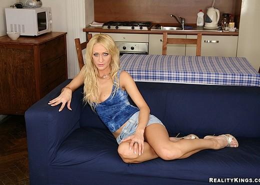 Cynthia Vellons & Christina Lee - Euro Sex Parties - Hardcore Nude Pics