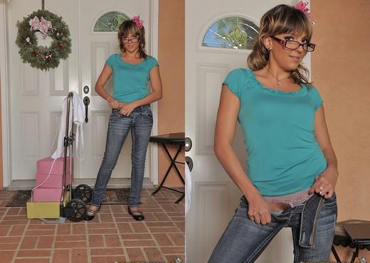 Lexi Love - Sample My Pie - Hot Bush - Hardcore Image Gallery