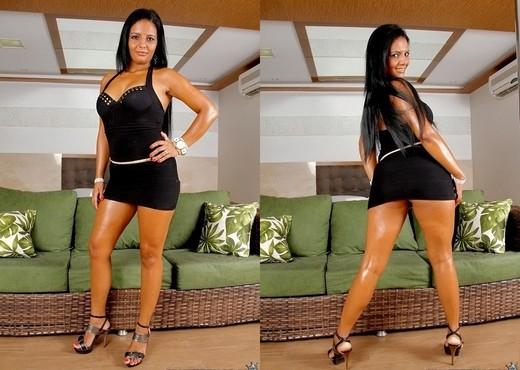 Juliana Jambo - Stripping Beauty - Mike In Brazil - Anal Nude Gallery