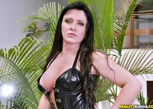 Gabriella Porttioli - Just So Right - Mike In Brazil - Anal HD Gallery