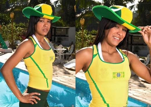 Rayssa Sanchez - Hottest Fan - Mike In Brazil - Hardcore Nude Pics