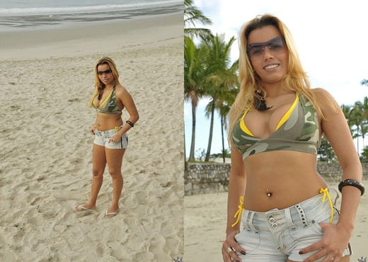 Brenda Brachto - Pussy Magnet - Mike In Brazil - Anal TGP