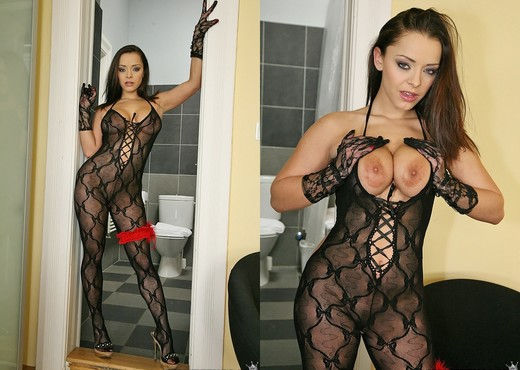 Liza Del Sierra - French Kiss - Mike's Apartment - Hardcore Image Gallery