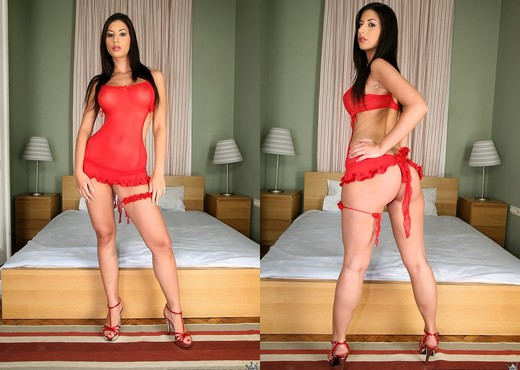 Kendra - Knockout - Mike's Apartment - Hardcore Image Gallery