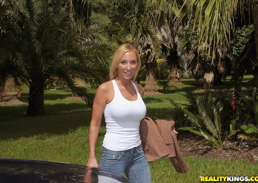 Toni - Fisherman's Grub - MILF Hunter - MILF Sexy Photo Gallery