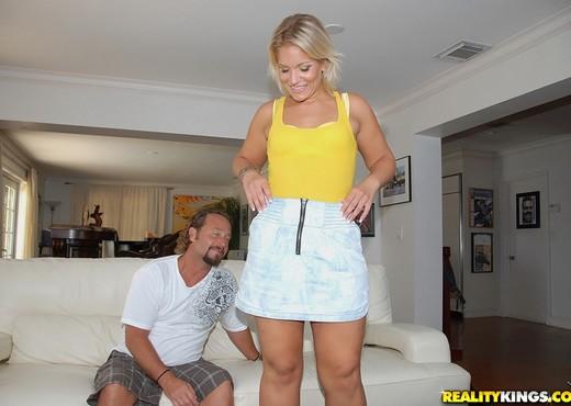 Kristy Kelly - Yellow Mellow - MILF Hunter - MILF Porn Gallery