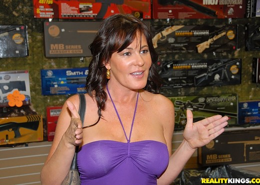 Bella Roxx - Pump Her Full - MILF Hunter - MILF Hot Gallery