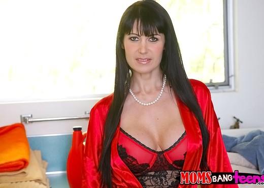 Cassandra Nix & Eva Karera - A Bad Romance - Moms Bang Teens - Hardcore Nude Pics