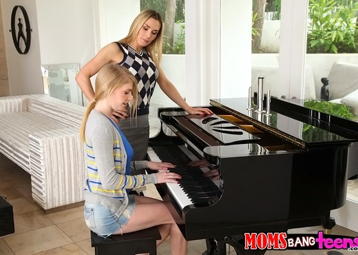 Tanya Tate & Allie James - Teaching Teens - Moms Bang Teens - Hardcore Image Gallery