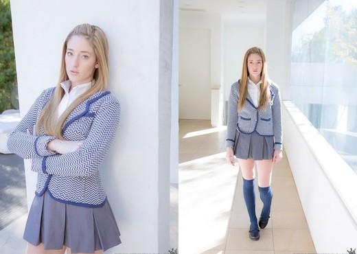 Casana Lei - Lei Me - Pure 18 - Teen Image Gallery