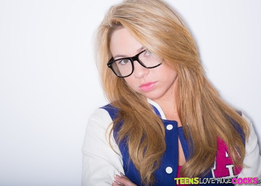 Katerina Kay - Kinky Katerina - Teens Love Huge Cocks - Teen Sexy Photo Gallery