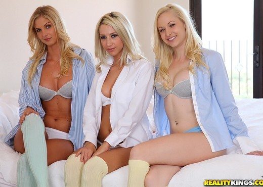 Lux Kassidy, Natalie Nice, Sammie Rhodes - We Live Together - Lesbian Sexy Gallery
