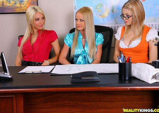 Ashley Roberts, Bree Daniels, Sammie Rhodes - Work Related - Lesbian HD Gallery