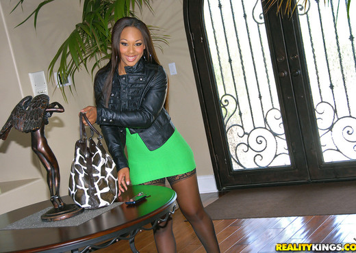 Leilani Leeane - Butt Love - Round And Brown - Ebony Nude Pics
