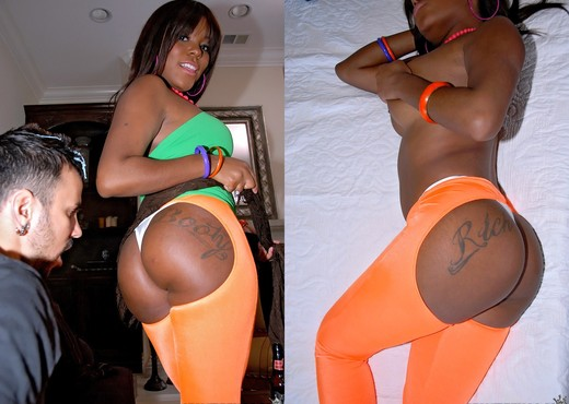 Candice Nicole - Booty On Blast - Round And Brown - Ebony Picture Gallery