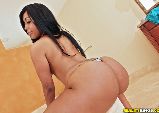 Miyamme Spice - Very Wet - Round And Brown - Ebony Porn Gallery