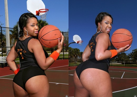 Aryana Adin - She Scores - Round And Brown - Ebony Sexy Photo Gallery