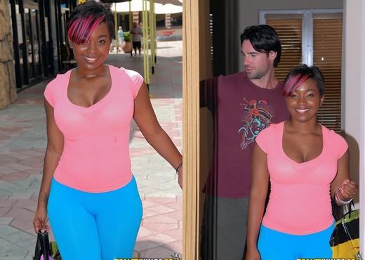 Roxanne Shorte - Rub A Dub - Round And Brown - Ebony Nude Gallery