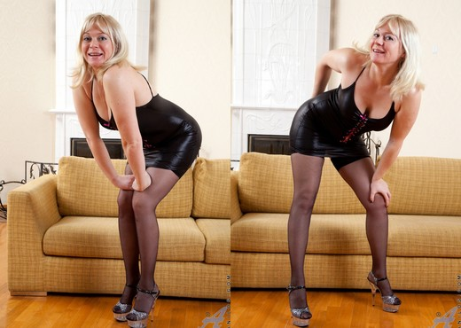 Katya Gannau - Sexy Mature In Leather - MILF Nude Pics