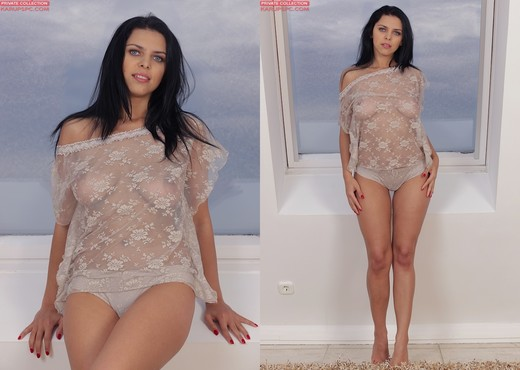 Kira Queen - Karup's Private Collection - Solo Sexy Gallery