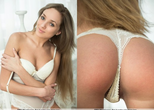 Touch It - Taya T. - Femjoy - Solo Picture Gallery