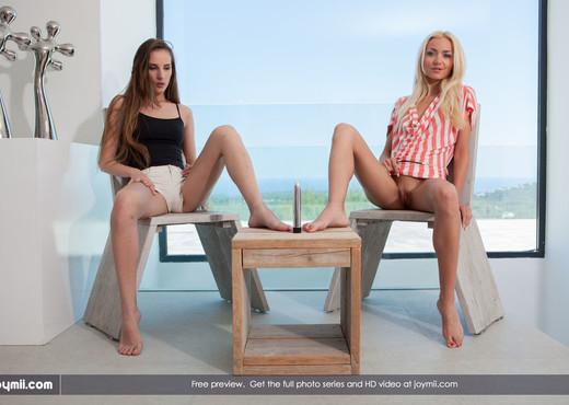 Teasing Girls - Tina & Victoria P. - Lesbian Nude Gallery