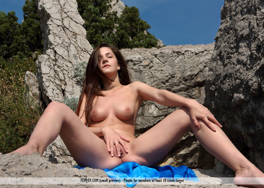 Mountain Top - Eva U. - Solo HD Gallery