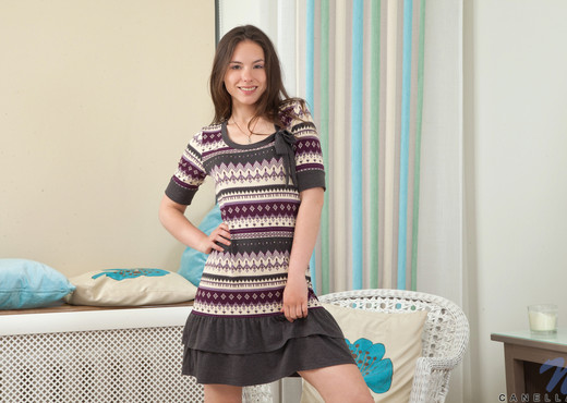 Canella - Nubiles - Teen Solo - Teen Image Gallery