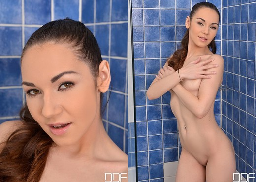 Stacy Snake - Euro Teen Erotica - Teen Porn Gallery