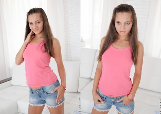 Sima - Nubiles - Teen Solo - Teen HD Gallery