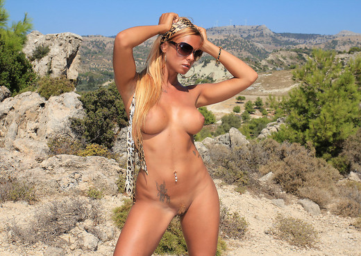 Hottest Summer - Ashley Bulgari - Solo Nude Pics