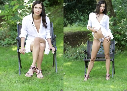 Rachel Evans, Simone Style - Natural Beauties - Hardcore Nude Gallery