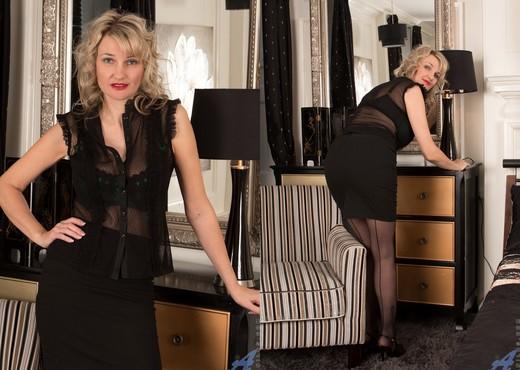 Roxy Jay - Naughty Lady - Anilos - MILF Porn Gallery