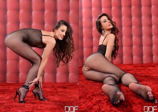 Lorena - Hot Legs and Feet - Feet Sexy Gallery