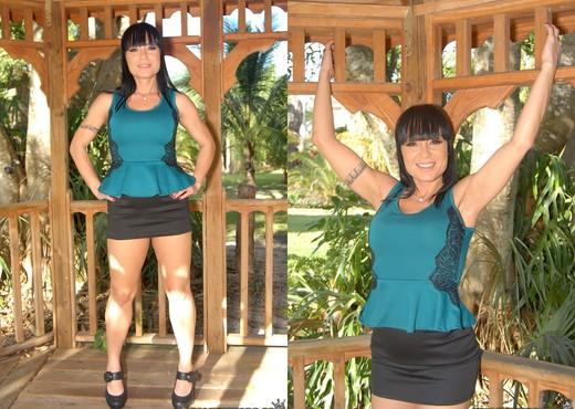 Brianna Ray, Mahina Zaltana - Sexy Talk - MILF Next Door - Lesbian TGP